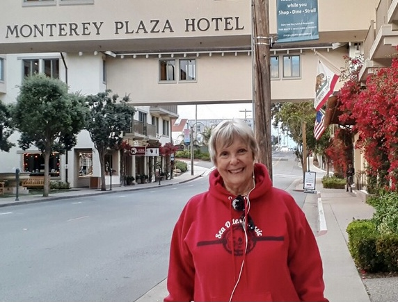 Pilgrim Nat Defiebre treasures the community and motivation she has found on her Virtual Camino